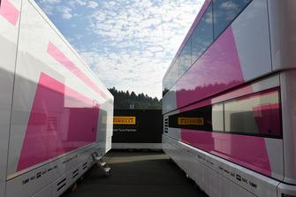 Вантажівки Force India F1