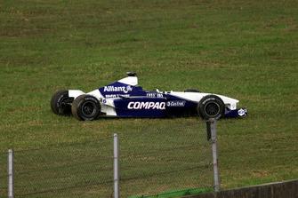 Damaged car of Juan Pablo Montoya, BMW Williams FW23