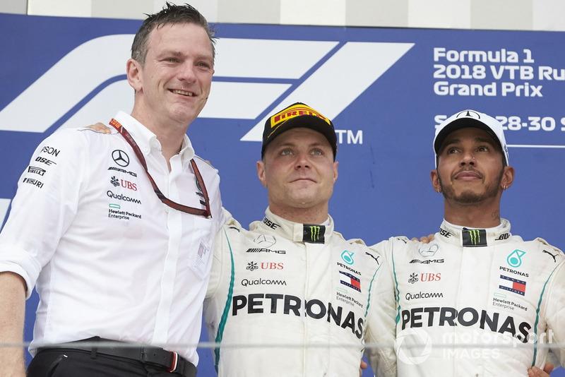 Podio: James Allison, Mercedes AMG F1 Director Técnico, segundo lugar Valtteri Bottas, Mercedes AMG F1, ganador de la carrera Lewis Hamilton, Mercedes AMG F1