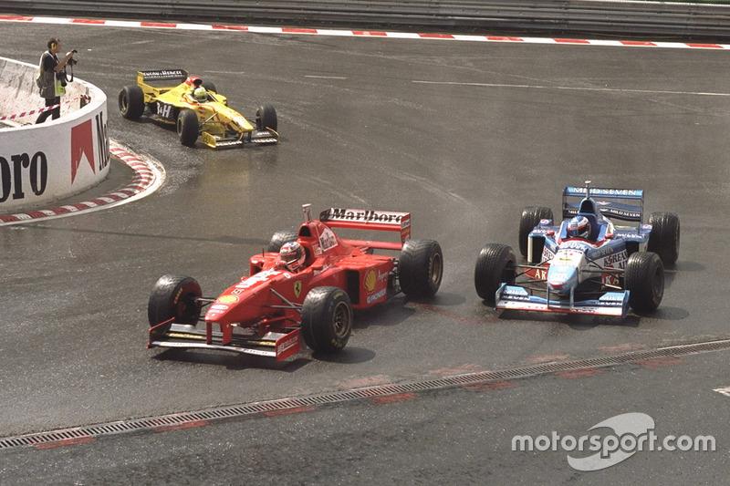 1997. Подіум: 1. Міхаель Шумахер, Ferrari. 2. Джанкарло Фізікелла, Jordan-Peugeot. 3. Хайнц-Харальд Френтцен, Williams-Renault