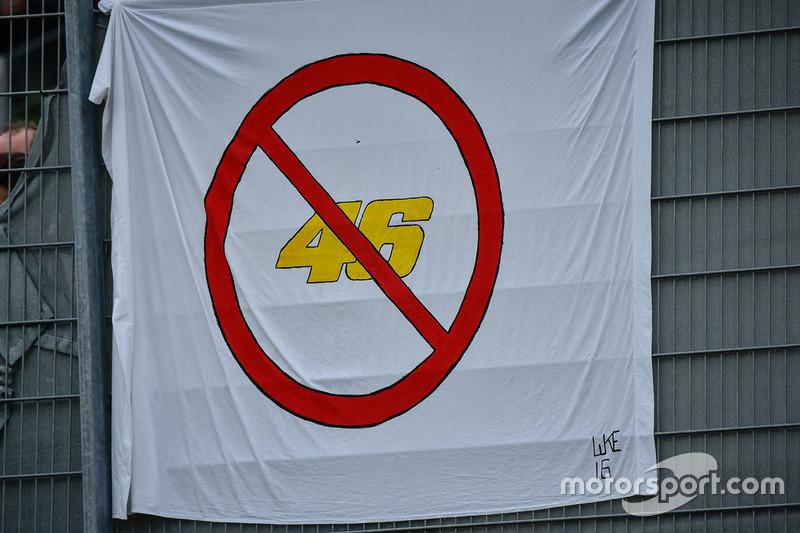 Cartello per Valentino Rossi, Yamaha Factory Racing