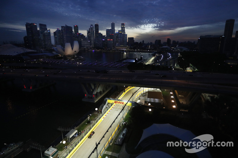 #10: Jenson Button in Singapur