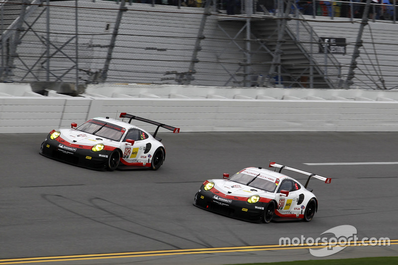 #911 Porsche Team North America Porsche 911 RSR: Patrick Pilet, Dirk Werner, Frédéric Makowiecki and