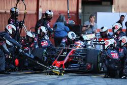 Ромен Грожан, Haas F1 Team VF-17 практикує піт-стоп
