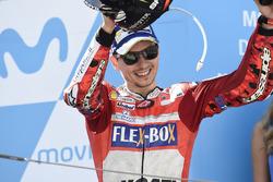 Podio: il terzo classificato Jorge Lorenzo, Ducati Team