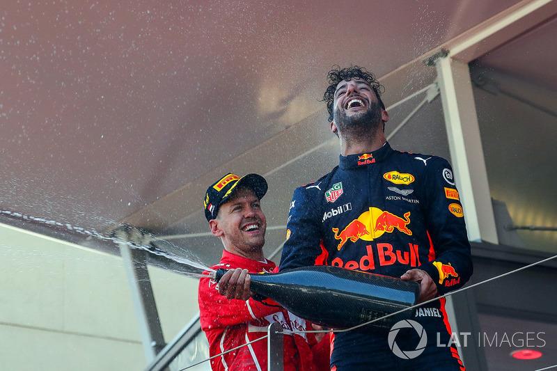 Переможець Себастьян Феттель, Ferrari та Даніель Ріккардо, Red Bull Racing