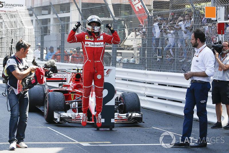 Sebastian Vettel (2)