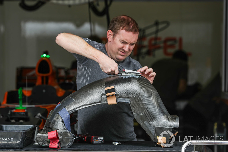Detalle de asiento de los conductores de McLaren MCL32