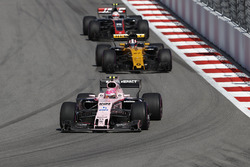 Esteban Ocon, Sahara Force India F1 VJM10, Nico Hulkenberg, Renault Sport F1 Team RS17, Kevin Magnussen, Haas F1 Team VF-17