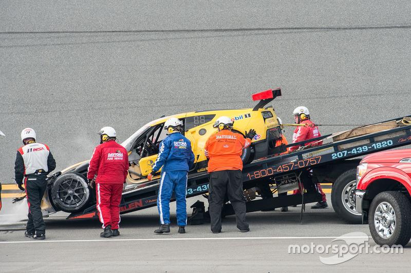 El Corvette Racing Chevrolet Corvette C7.R de Oliver Gavin, Tommy Milner y Marcel Fässler tras el in