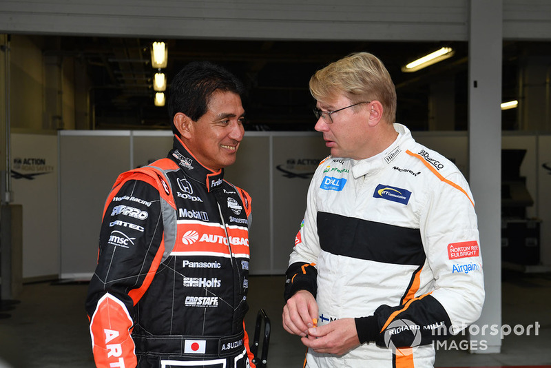 Aguri Suzuki ve Mika Hakkinen