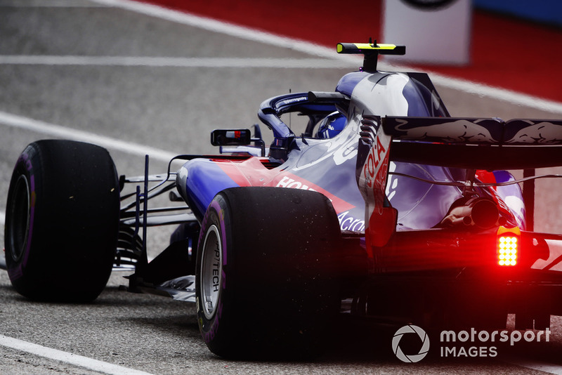 19. П'єр Гаслі, Scuderia Toro Rosso STR13, 1:34.850 у Q1, штраф