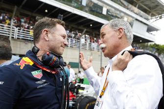 Christian Horner, Team Principal, Red Bull Racing, with Chase Carey, Chairman, Formula One