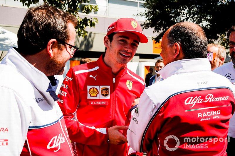 Frederic Vasseur, Team Principal, Alfa Romeo Racing e Charles Leclerc, Ferrari