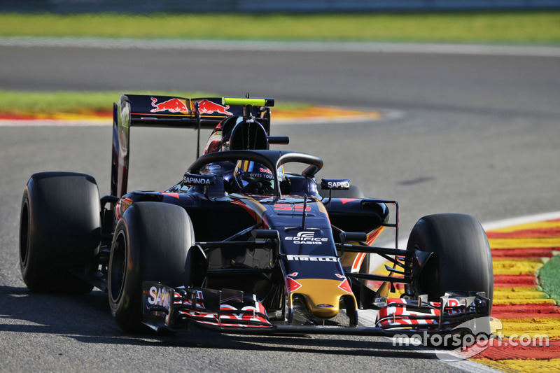 Sainz Jr. met de halo op de Toro Rosso