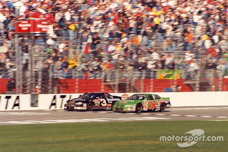 Atlanta 2000: Dale Earnhardt siegt vor Bobby Labonte