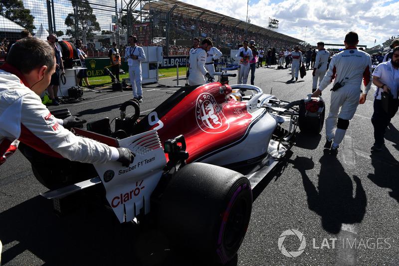 Abandon : Marcus Ericsson (Alfa Romeo Sauber)