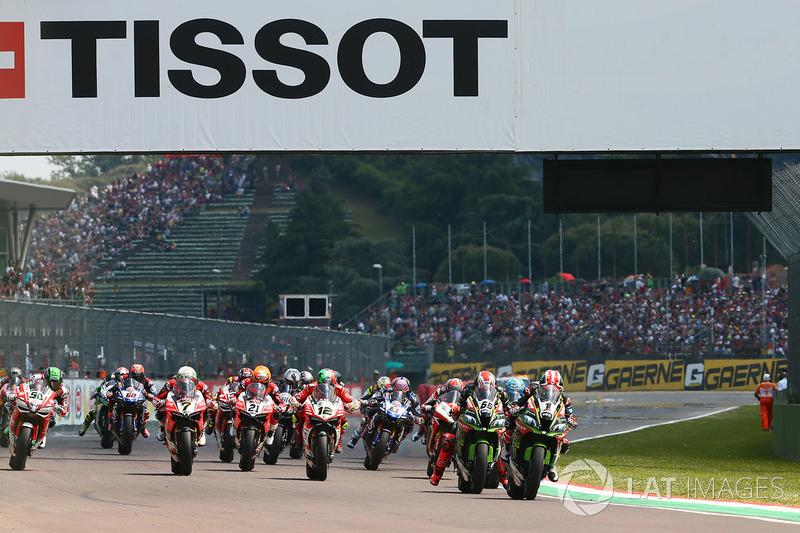Jonathan Rea, Kawasaki Racing, Tom Sykes, Kawasaki Racing lead the start