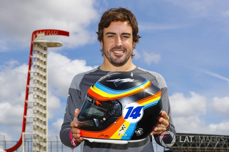 Renovado con McLaren y con casco homenaje a las 500 Millas de Indianápolis