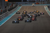 Lewis Hamilton, Mercedes F1 W07 Hybrid, Nico Rosberg, Mercedes F1 W07 Hybrid, Kimi Raikkonen, Ferrari SF16-H, Daniel Ricciardo, Red Bull Racing RB12, startta
