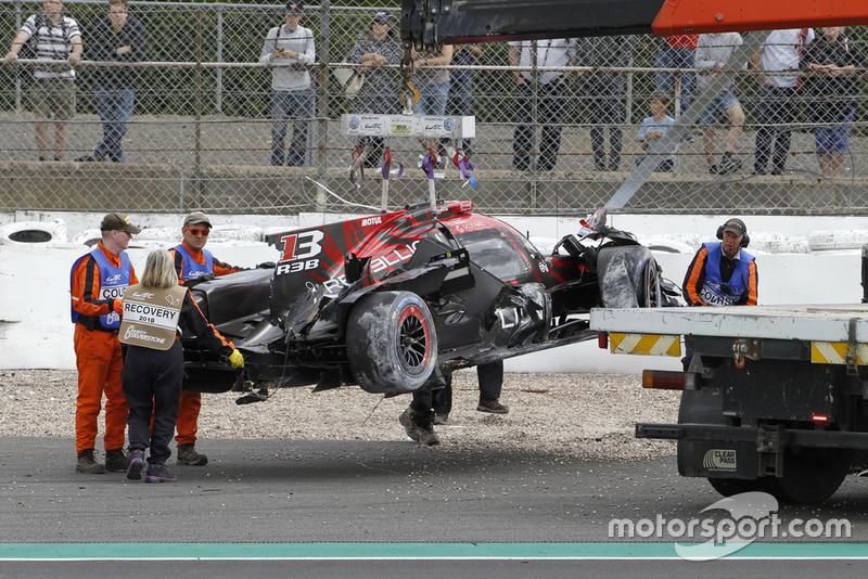 La voiture #1 Rebellion Racing Rebellion R-13: Andre Lotterer, Neel Jani, Bruno Senna après son crash
