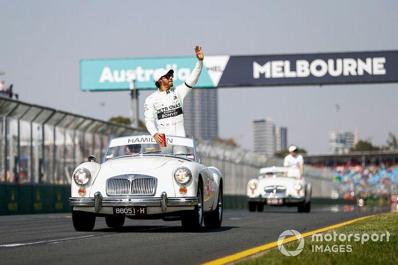 Льюіс Хемілтон, Mercedes AMG F1, на параді пілотів