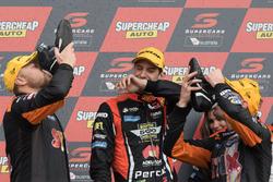 Podium: winners Will Davison, Jonathon Webb, Tekno Autosports Holden