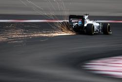 Valtteri Bottas, Williams FW38 sacando chispas