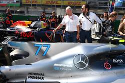 Dr Helmut Marko, Red Bull Motorsport Consultant, Matteo Bonciani, FIA Media Delegate