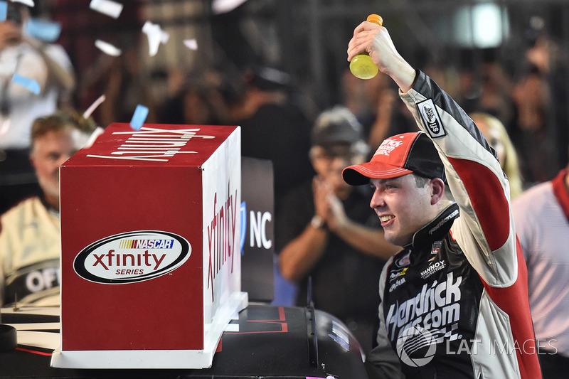 Um dia antes, Alex Bowman conquistou sua primeira vitória em uma divisão nacional da NASCAR ao ganhar pela Xfinity Series também em Charlotte.