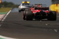 Safety-Car vor Sebastian Vettel, Ferrari SF70H, Kimi Raikkonen, Ferrari SF70H