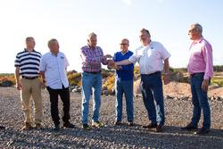 Carmelo Ezpeleta, PDG Dorna Sports, et Timo Pohjola, responsable du projet du KymiRing