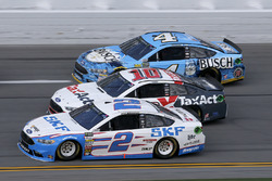 Brad Keselowski, Team Penske Ford, Danica Patrick, Stewart-Haas Racing Ford, Kevin Harvick, Stewart-