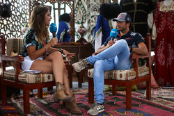 Carlos Sainz Jr., Scuderia Toro Rosso talks, Noemi de Miguel, Movistar TV Presenter