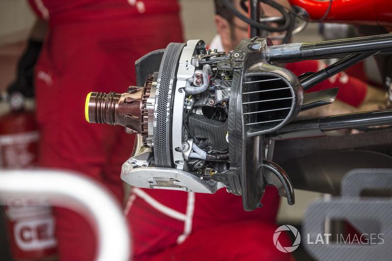 Ferrari SF70H ön fren ve tekerlek detay