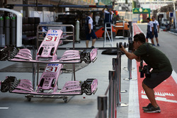 Photographer shoots Sahara Force India VJM10 nose and front wings