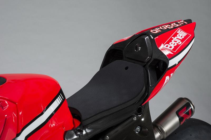 Detalle de moto, Marco Melandri, Ducati Team
