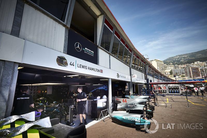 El garaje de Lewis Hamilton, Mercedes AMG F1