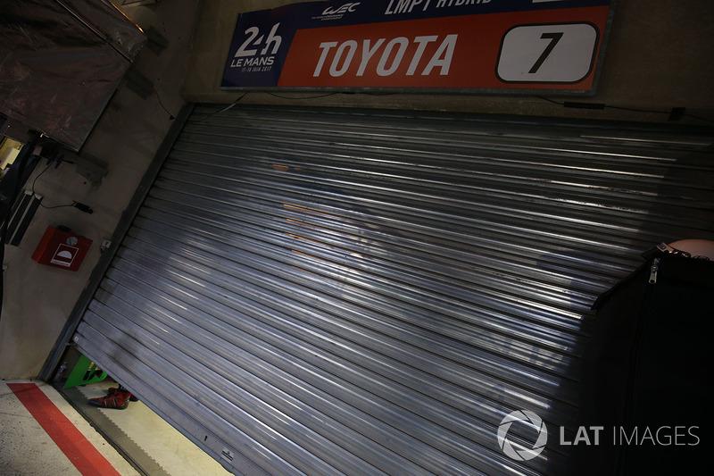 The garage door to the #7 Toyota Gazoo Racing Toyota TS050 Hybrid: Mike Conway, Kamui Kobayashi, Stéphane Sarrazin after retirement