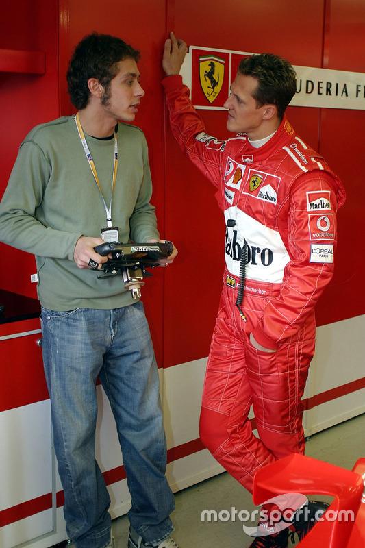 Valentino Rossi bersama Michael Schumacher, Ferrari