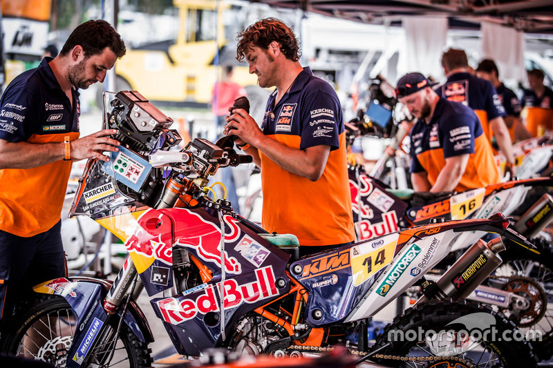 Mecánicos de Red Bull KTM Factory Racing