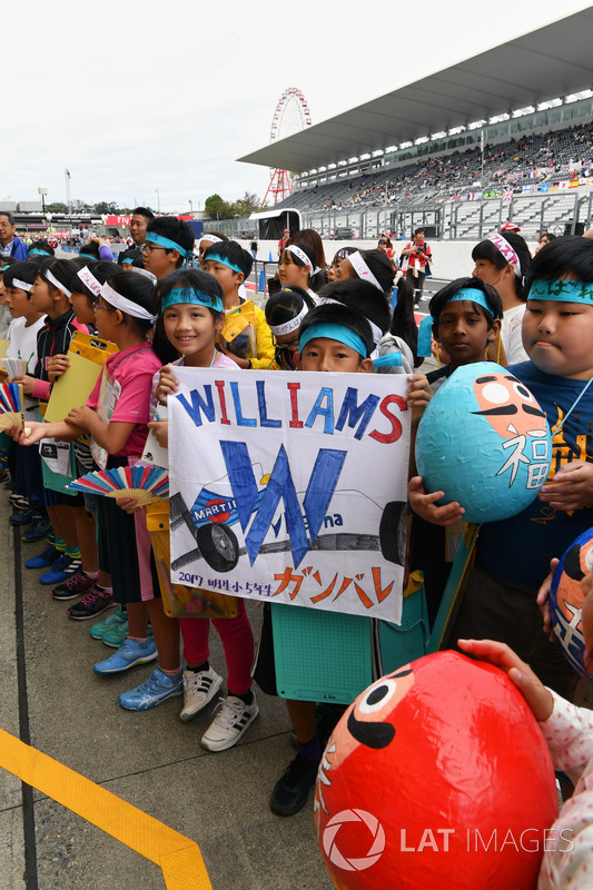 Young Williams fans