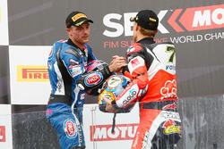 Podium : le vainqueur, Chaz Davies, Ducati Team, et le deuxième, Alex Lowes, Pata Yamaha