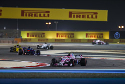 Esteban Ocon, Force India VJM11 Mercedes, Brendon Hartley, Toro Rosso STR13 Honda, Carlos Sainz Jr., Renault Sport F1 Team R.S. 18