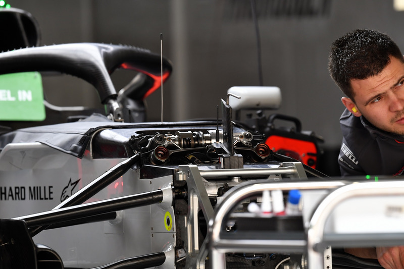 Haas F1 Team VF-18 front suspension detail