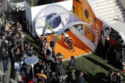 Марк Маркес та Дані Педроса під час урочистого заходу Repsol у Fly Madrid