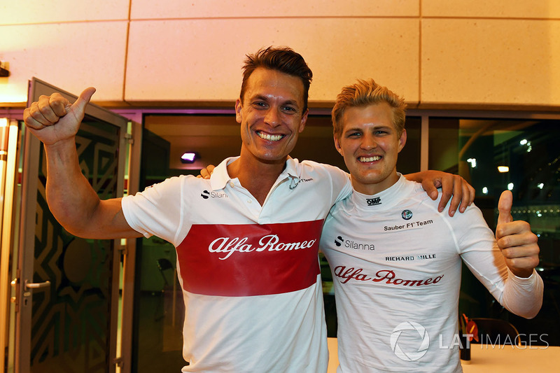 Marcus Ericsson, Sauber celebrates at the end of the race