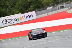 Max Verstappen, Red Bull Racing en un Aston Martin