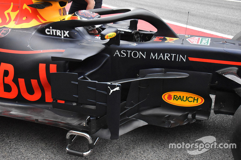 Red Bull Racing RB14 bargeboard - részletfotó