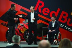 Hubert Trunkenpolz, miembros deKTM, Pit Beirer, responsables de la división de competición de KTM y  Alex Hofmann